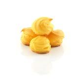 Cream слойки на белой предпосылке Стоковое Изображение