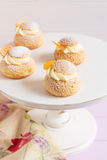 Cream слойки с ванильной сливк Стоковая Фотография RF