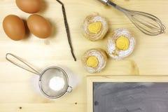 Cream слойки с сливк печенья Стоковые Фото