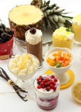cream плодоовощ чашки Стоковые Фотографии RF