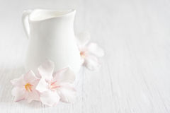 Free Cream Background Royalty Free Stock Images - 41067409