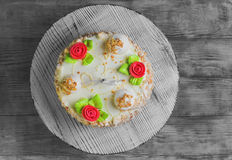 Cream biscuit cake with roses Royalty Free Stock Images