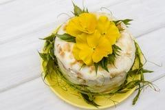 Cream cheese cake. With viola Stock Photos
