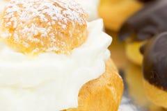 cream eclairs Стоковые Изображения