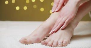 cream moisturizing акции видеоматериалы