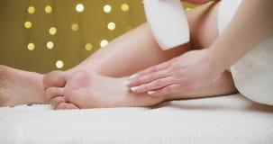 cream moisturizing сток-видео