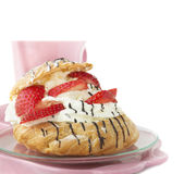 Cream Puffs with strawberries for Breakfast Royalty Free Stock Photos