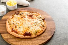 Creamy mushroom pizza Stock Images