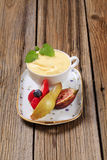 Creamy pudding and fresh fruit Royalty Free Stock Images