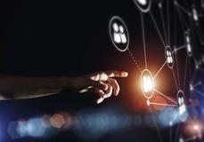 Creando le tecnologie wireless moderne come mezzi di communucation Fotografia Stock Libera da Diritti