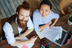 Creatief commercieel team in bureau royalty-vrije stock foto's
