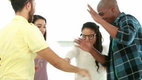 Creatief commercieel team die handen samenbrengen stock footage