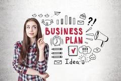 Creatief meisje met een omhoog duim, businessplan Royalty-vrije Stock Fotografie