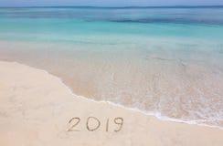 2019 creatief op het strand royalty-vrije stock afbeelding