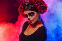 Creatief portret van Sugar Skull op donkere achtergrond met copyspa royalty-vrije stock foto