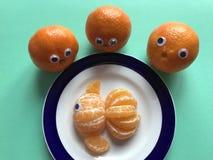 Creatief voedselconcept, verse sinaasappelen royalty-vrije stock foto
