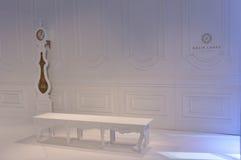 Creatieve decoratie als achtergrond tijdens de de Lente/de Zomer van 2017 van Galia Lahav Bridal Fashion Week presentatie Royalty-vrije Stock Foto's