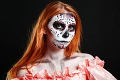 Creatieve het portretbloem van de gezichtsverf Dag van de Dode personen Stock Fotografie