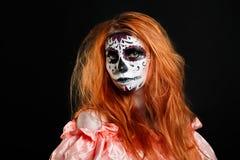 Creatieve het portretbloem van de gezichtsverf Dag van de Dode personen Stock Foto's