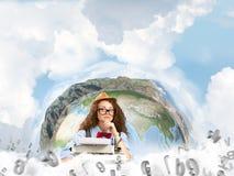 Creatieve inspiratie van jonge vrouwelijke schrijver Stock Afbeeldingen