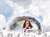 Creatieve inspiratie van jonge vrouwelijke schrijver Stock Fotografie