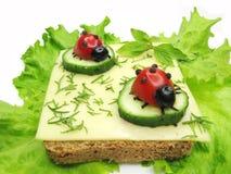 Creatieve plantaardige sandwich met kaas stock fotografie