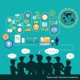 Creatività di affari del lavoro di gruppo di vettore con le icone di affari Immagini Stock Libere da Diritti