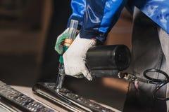 Creazione di flusso di lavoro del cacciavite del trapano delle parti di metallo Fotografie Stock Libere da Diritti