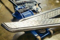Creazione di flusso di lavoro del cacciavite del trapano delle parti di metallo Fotografie Stock