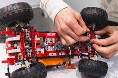 Creazione robot di construstor di meccatronica moderna Fotografie Stock