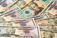 Crecimiento de mentira de los billetes de banco del dólar Imágenes de archivo libres de regalías