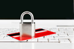Credit Card and padlock on keyboard Royalty Free Stock Photography