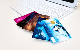 Credit cards on computer Royalty Free Stock Photography