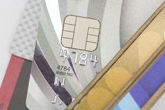 Creditcards in portefeuille Stock Afbeeldingen