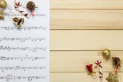 Cree el papel de nota de la hoja de música de mí mismo Hoja de música de la visión superior no Imágenes de archivo libres de regalías
