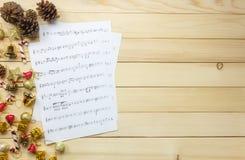 Cree el papel de nota de la hoja de música de mí mismo Hoja de música de la visión superior no Fotografía de archivo