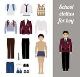 Creeer de uitrusting van de schooljongen met verschillende uniformen Stock Fotografie