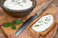 Creem-Käse mit Brot Stockfoto