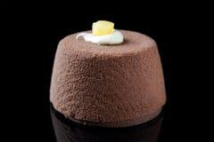 Crema batida de chocolate individual elegante Imagenes de archivo