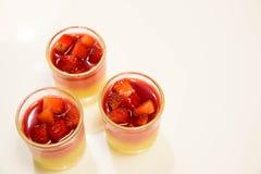 Crema batida de la fresa en el vidrio Foto de archivo libre de regalías