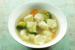 Crema de la sopa del bróculi fotografía de archivo libre de regalías