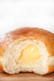 Crema de la vainilla en buñuelo Imagenes de archivo
