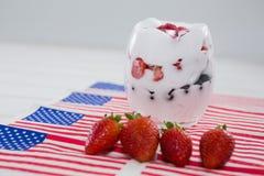 Crema del gelato alla frutta con il tema del 4 luglio Fotografie Stock Libere da Diritti