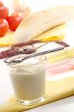 Crema dell'insalata in un vetro con un cucchiaio Fotografia Stock