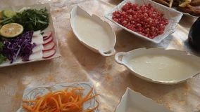 Crema ed insalata fotografia stock