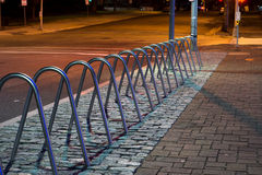 Cremalheiras de bicicleta fotografia de stock