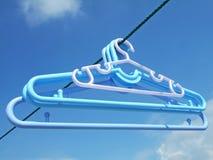 Cremalheiras sob o céu azul Imagem de Stock Royalty Free