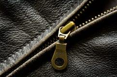 Cremallera de la chaqueta de cuero Foto de archivo