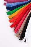 Cremalleras coloridas en diversos colores Imagen de archivo