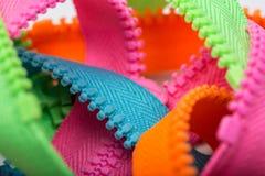 Cremalleras coloridas sin clasificar Fotografía de archivo libre de regalías